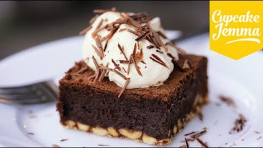 Ultimate Chocolate Brownies | Cupcake Jemma