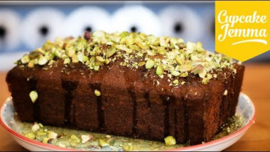 Pistachio, Lime and Cardamon Cake
